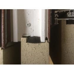 Nyílászáró-padló csatlakozások az épületszerkezetekben